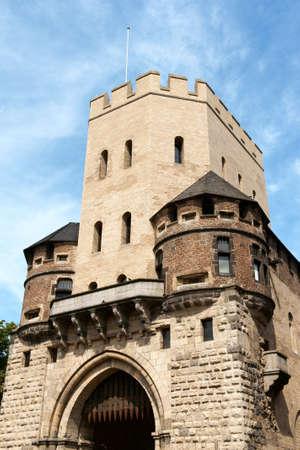 Severinstor Stadttor Severin in Köln Standard-Bild - 15374426