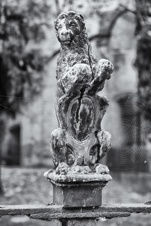rampant: rampant lion of Bologna