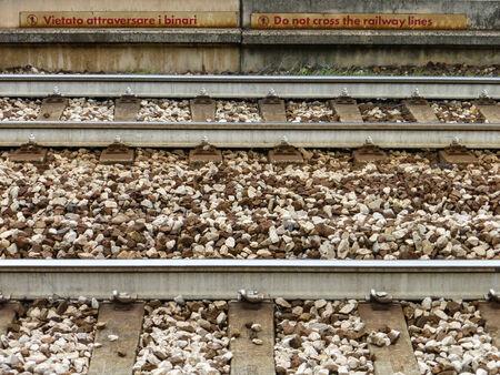 do not cross: do not cross the railway lines Stock Photo