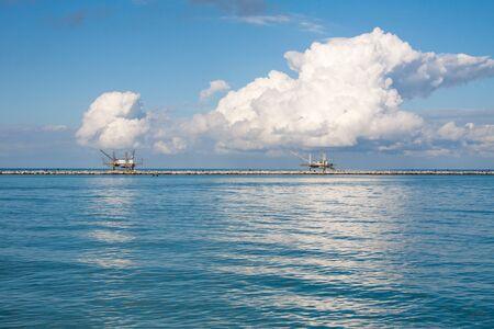 fischerei: palafitte Fischerei typisch für die italienische Adria