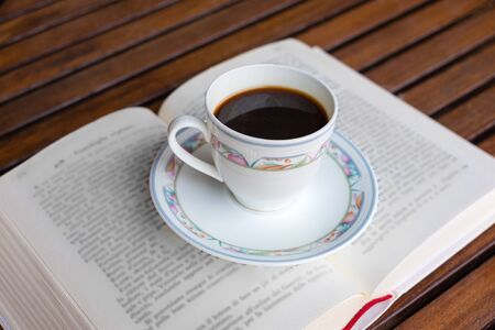 enjoyment: Traditional relaxation and calm between the taste and readings