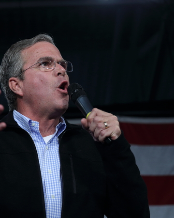 republican: Des Moines, Iowa, USA-October 31, 2015.  Jeb Bush speaks at a Republican rally