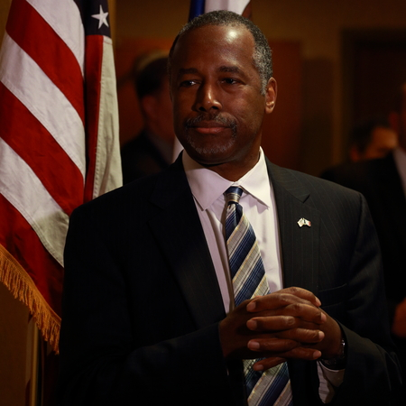 campaigning: Honey Creek, Iowa-December 11, 2015, Ben Carson with press