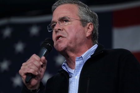 rally: Des Moines, Iowa, USA-October 31, 2015.  Jeb Bush speaks at a Republican rally