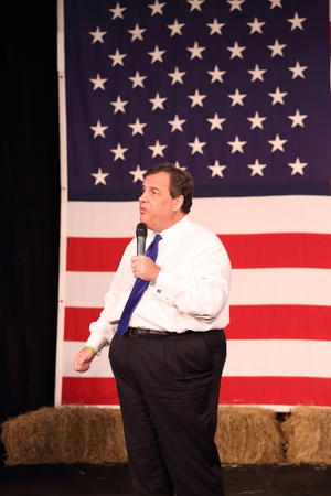 republican: Des Moines, Iowa, USA-October 31, 2015.  Chris Christie speaks at a Republican rally