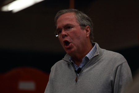 voters: Newton, Iowa, USA-December, 2015.  Jeb Bush speaks to potential voters Editorial