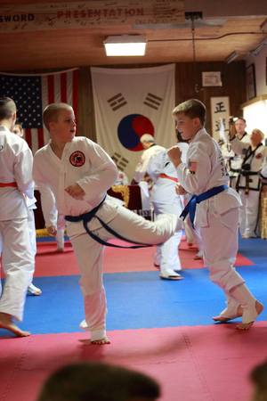 tae kwon do: Tae Kwon Do students test for belts in Cedar Rapids, Iowa