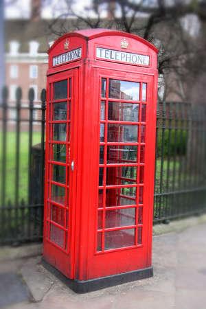 cabina telefonica: Roja cabina telef�nica en Londres