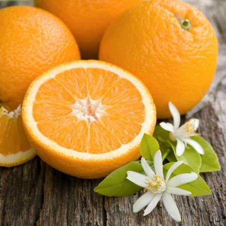 naranjas: Naranjas frescas Foto de archivo