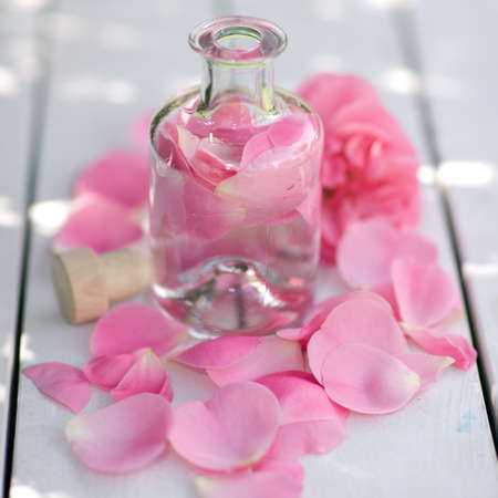 perfumed candle: Rose oil
