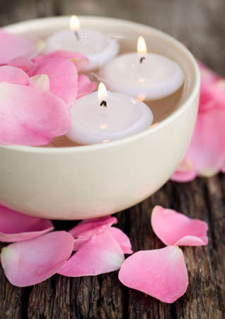 swimming candles: Wellness symbols with roses