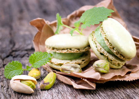 pistachio: Macaroons with pistachio