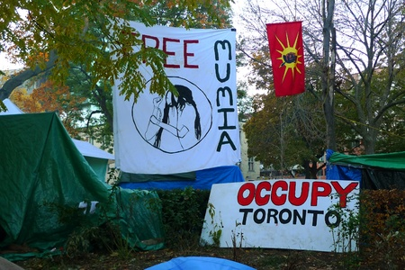 TORONTO - NOVEMBER 05: Tents of Occupy Toronto at St. James Park on Nov 05, 2011 in Toronto, Canada Stock Photo - 11117342