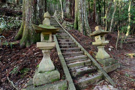 Stone lanterns of Kumano Kodo, the sacred historical pilgrimage route in Kansai, Japan 版權商用圖片