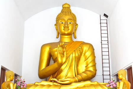 Golden Buddha in Thailands Temple