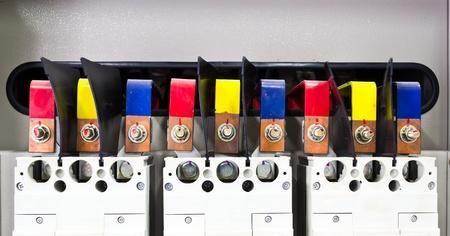busbar: Busbar of circuit breaker Editorial