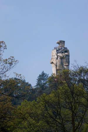 aguila real: Lugares de interés en el águila real