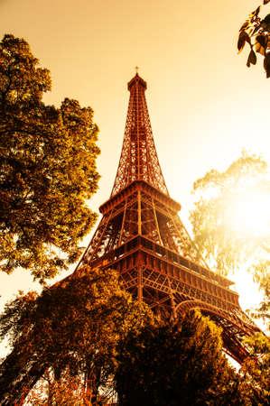 Imagen de la Tour Eiffel y una bonita puesta de sol Foto de archivo - 15909000