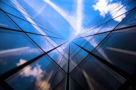 commercial real estate: Detalles de un rascacielos de vidrios en Par�s Foto de archivo