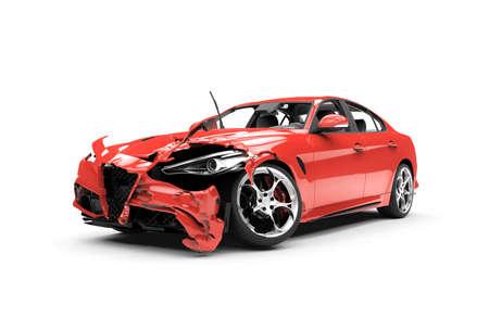 metalschrott: Laterale rote Auto Crash auf einem weißen Hintergrund isoliert auf weißem Hintergrund