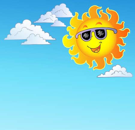 sol caricatura: Happy el sol con gafas de sol en el cielo Vectores