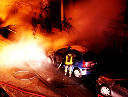 arbol de problemas: Fire - Grabaci�n de coches - los bomberos en el lugar de trabajo --  Foto de archivo