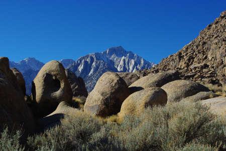 high sierra: Rocks and High Sierra Nevada peaks, Alabama Hills, California Stock Photo