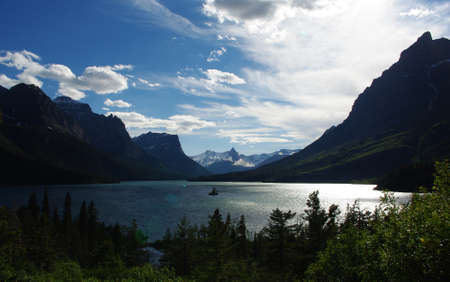Late summer afternoon at St  Mary Lake, Glacier National Park, Montana Stock Photo - 12733646