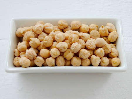 garbanzos: garbanzos en un plato
