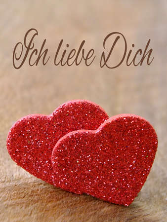 Zwei Herzen für Valentinstag mit Text Deutsch Standard-Bild