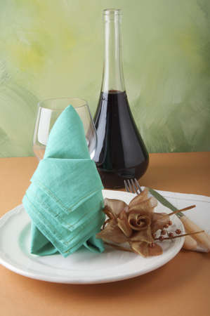 origami napkins to decorate the plates photo