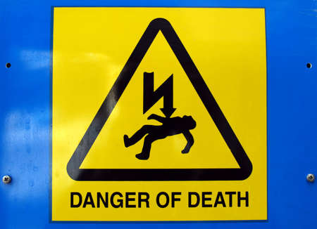 electric current: Signal of danger of death by electrocution following an electric shock
