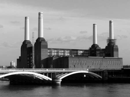 powerstation: London Battersea powerstation abandoned factory