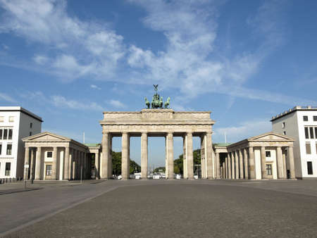 brandenburg gate: Brandenburger Tor (Brandenburg Gates) in Berlin, Germany