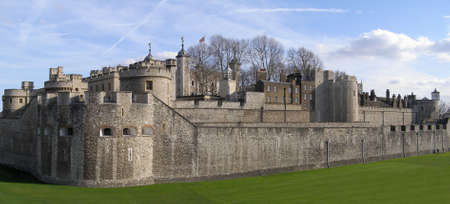medioeval: Tower of London panorama, Tower Hill, London Stock Photo