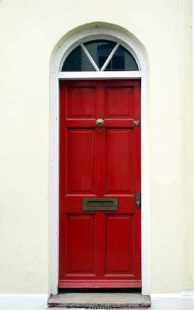 Bunten traditionelle englische Haustür in London