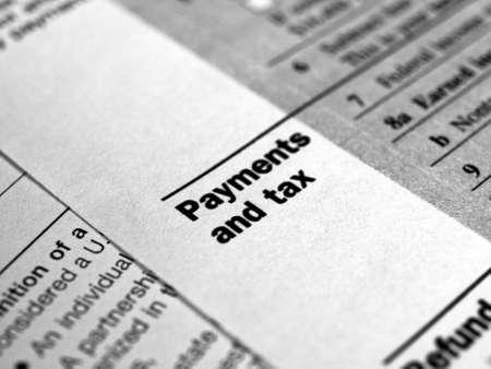 ingresos: Gama de diversas formas de impuestos de Estados Unidos en blanco