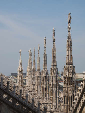 Duomo di Milano gotica cattedrale chiesa, Milano, Italia photo