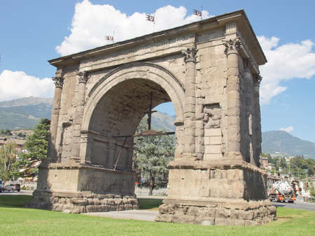 aosta: Arco d Augusto (Arch of August) in Aosta Italy