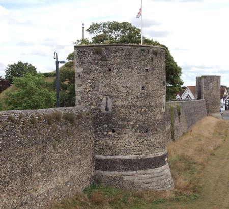 canterbury: Les murs de la ville de Canterbury dans le Kent en Angleterre au Royaume-Uni