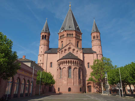 mainz: Mainzer Dom cathedral in Mainz in Germany