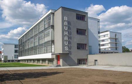 デッサウ、ドイツ - 8 月 6 日: 近代建築 2009 年 8 月 6 日にドイツ、デッサウのバウハウス建築傑作 報道画像
