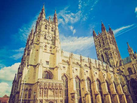 canterbury: R�tro Vintage regardant La cath�drale de Canterbury dans le Kent Angleterre Royaume-Uni