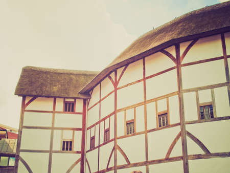 globe theatre: Vintage looking The ancient Shakespeare Globe Theatre in London, UK