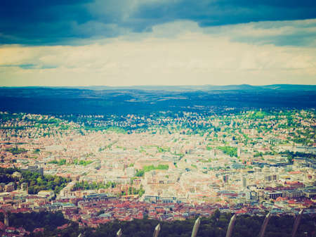 looking at view: Vintage guardando Vista della citt� di Stoccarda in Germania