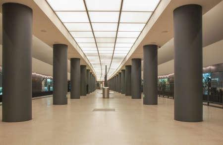 brandenburger tor: BERLIN, GERMANY - MAY 10, 2014: Brandenburger Tor ubahn subway station