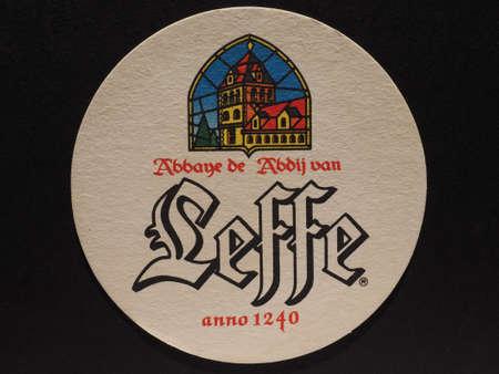 BRUSSEL, BELGIÃ‹ - 11 december 2014: Bierviltje van Belgisch bier Leffe