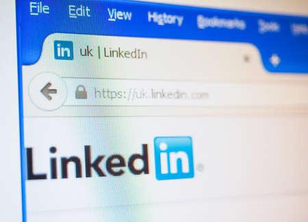 linkedin: LONDON, UK - DECEMBER 23, 2014: Home page of LinkedIn web site Editorial