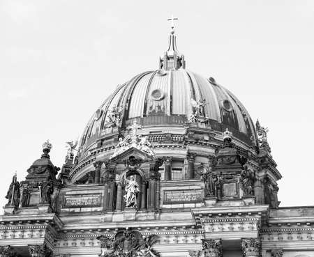 dom: Berliner Dom cathedral church in Berlin Germany in black and white Banque d'images