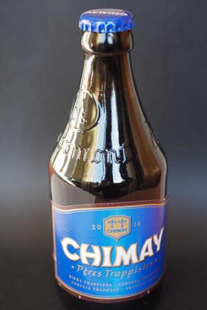 belgie: BRUSSELS, BELGIUM - JANUARY 6, 2015: Bottle of Belgian trappist beer Chimay Blue Editorial